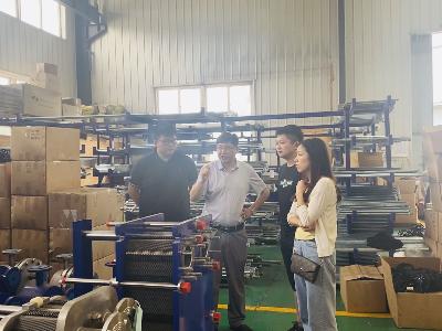 江苏科技大学船舶方向硕士生导师进厂进行深入交流并达成长期合作意向