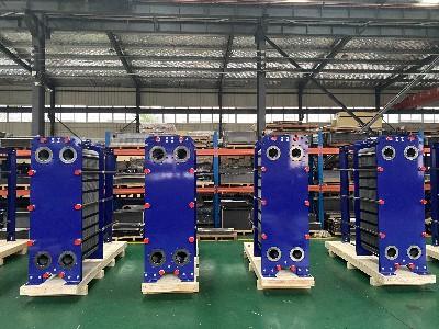 青岛瑞普特生产石油化工工业板式换热器.jpg