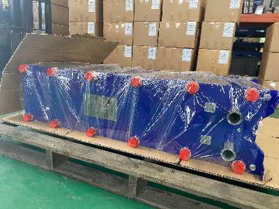 小温差水水板式换热器顺利发货成功!